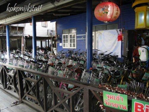 バンナムプン水上マーケット行き方、クロントゥーイ渡し船乗り場、バンナムプン水上マーケットのレンタサイクル、レンタル自転車