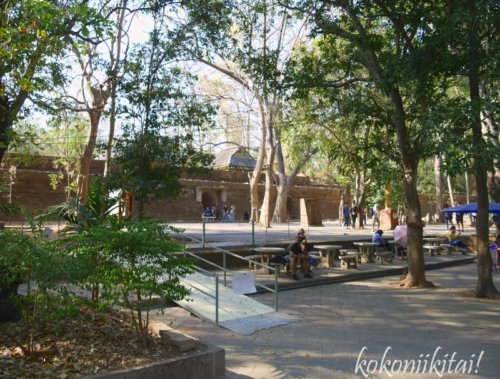 チェンマイ寺院ワットウモーン