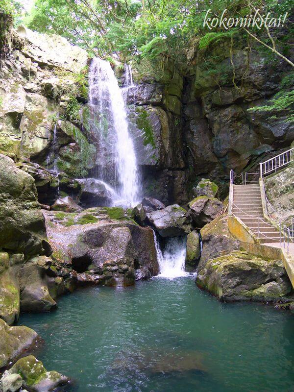 淡路島鮎屋の滝で川遊び